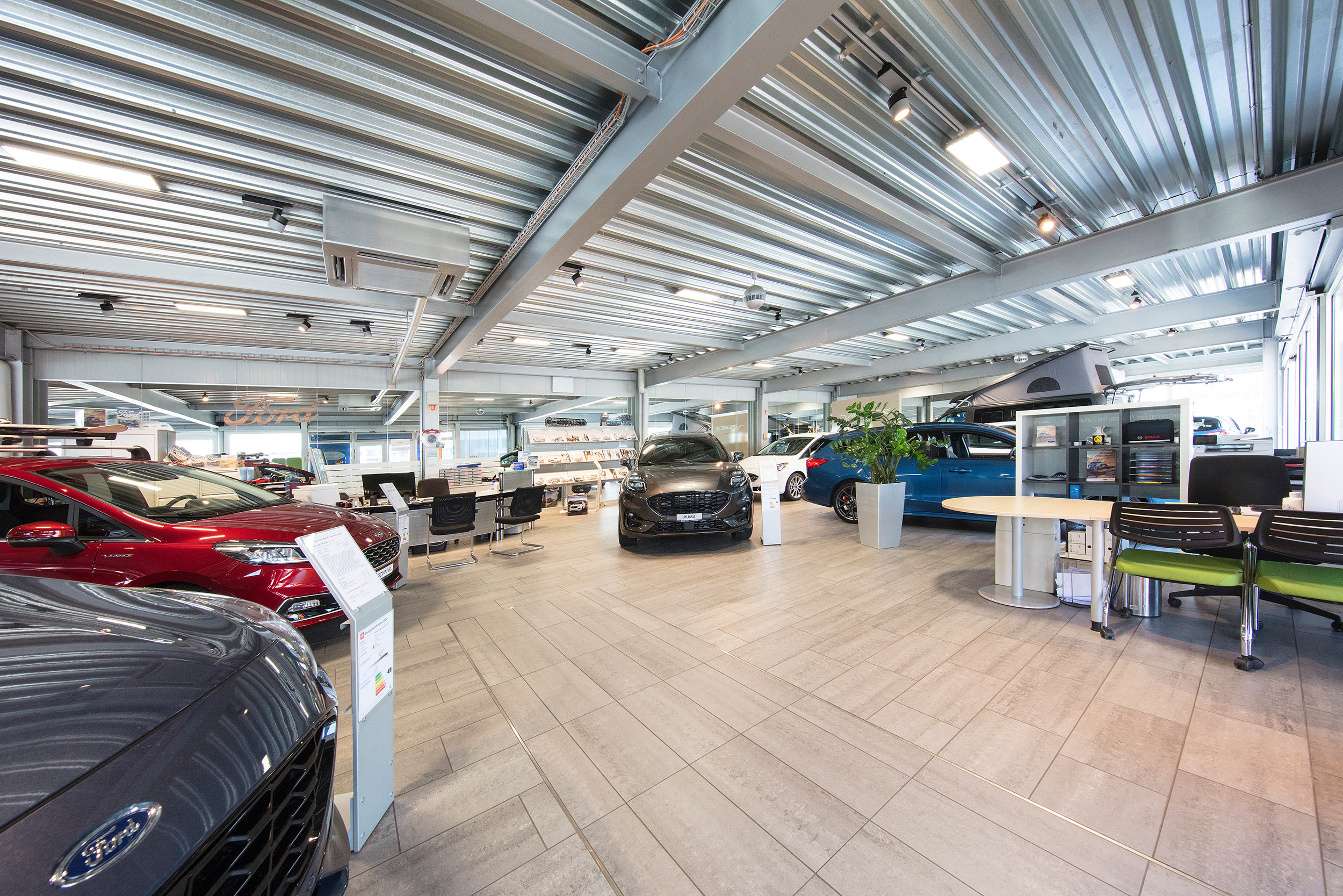 Bobnar AG Showroom Garage